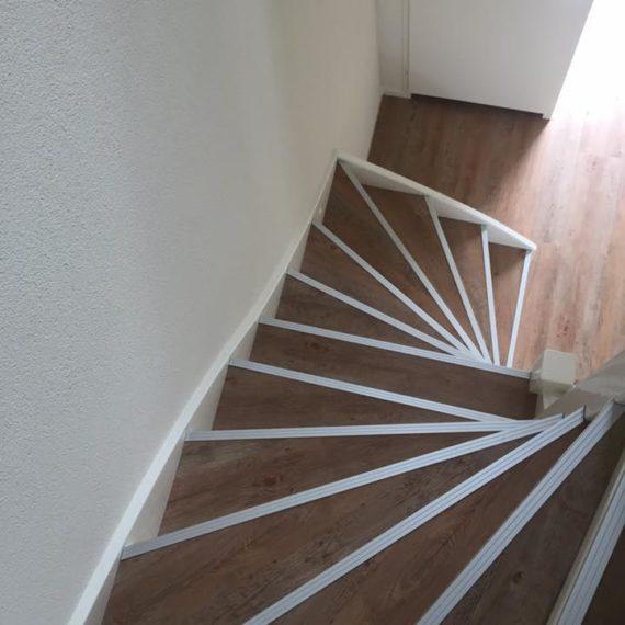 trap pvc vloer houtlook afwerking Nunspeet