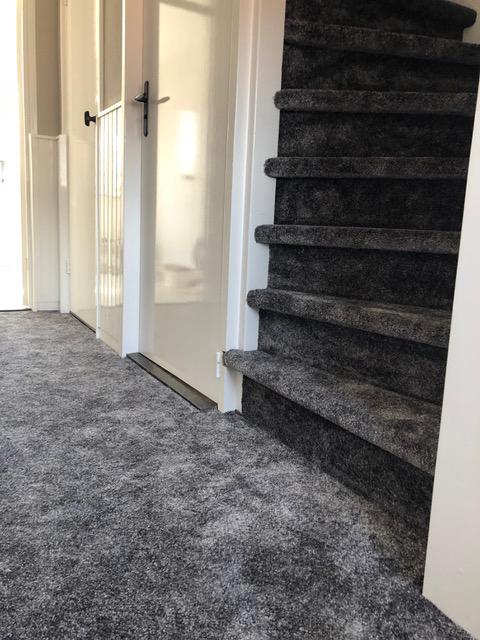 Vloeren trap vloerbedekking tapijt